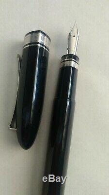 NOS Omas 360 black fountain pen gold trim
