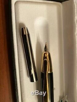 Namiki/Pilot Vanishing Point Fountain Pen Black/Gold 18k gold nib