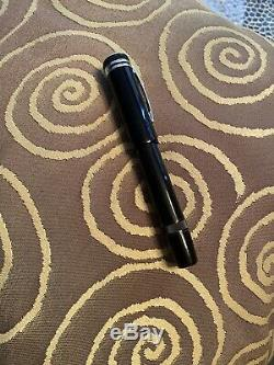 New Montblanc Heritage 1912 Fountain Pen Black/Platinum M25719 Retracting NIB