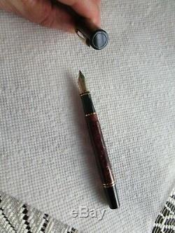 Parker Duofold Burgundy Black Marble Fountain Pen 18K-750 Gold Nib Vintage XLNT