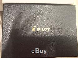 Pilot Fountain Pen Custom 823 Fine Nib Smoke/Transparent Black Plunger Fill Used