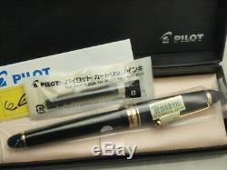 Pilot (NAMIKI) FP Custom 743 Black with converter / 14K / Falcon Flex nib New