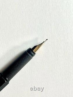 Rotring 600 Fountain Pen Black Gold M Nib, made in Germany