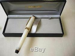 Sailor SHIKIORI Four Seasons Moon Fountain Pen 14K Ivory White MF nib Japan