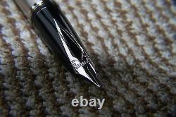 Sheaffer Legacy 2 Platinum & Black Fountain Pen 18K Medium NIB