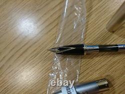 Sheaffer Legacy Platinum Fountain Pen Gold Trim 18K Medium Nib