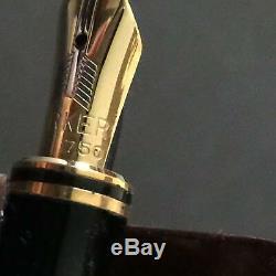 Vintage PARKER DUOFOLD International Fountain Pen Pearl & Black 18K Gold F Nib