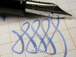 Omas Paragon Arte Italiana Noir Argent 18c 750 Or M Nib Fountain Pen Facettes