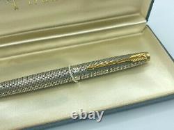 Parker 75 Stylo De Fontaine Cisele Argent Sterling Rouge Section Mint Boxed 14k Med Nib