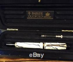 Parker & Black Pearl Duofold Centennial Plume 18k 750. IIIL (1993)