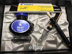 Pilot Fountain Pen Sur Mesure 823 Moyen Nib Fumée / Noir Transparent Plongeur Fill