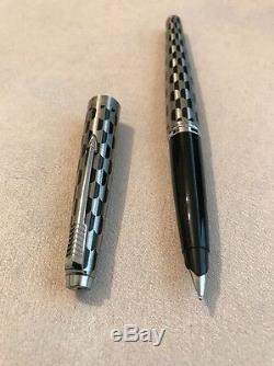 Rare Vintage Parker 45 Arlequin Bouclier Noir Moyen Nib Fountain Pen-superbe