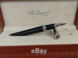 S. T. Dupont Olympio En Résine Noire Et Palladium Moyenne En Or 18 Carats Nib Fountain Pen