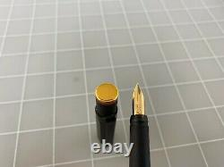Very Nice Rotring 600 Fountain Pen Noire With18kt Judd. Or Extra Fine Nib